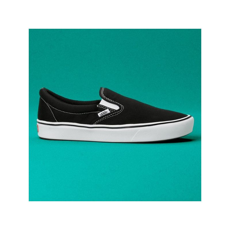 Zapatillas Vans: UA ComfyCush SlipOn Classic (BLK TRUE WHT)