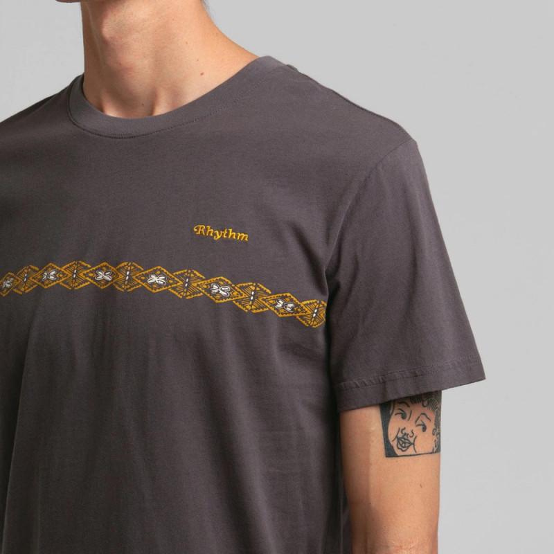 Camiseta Rhythm: CONGO STRIPE TSHIRT (Charcoal)