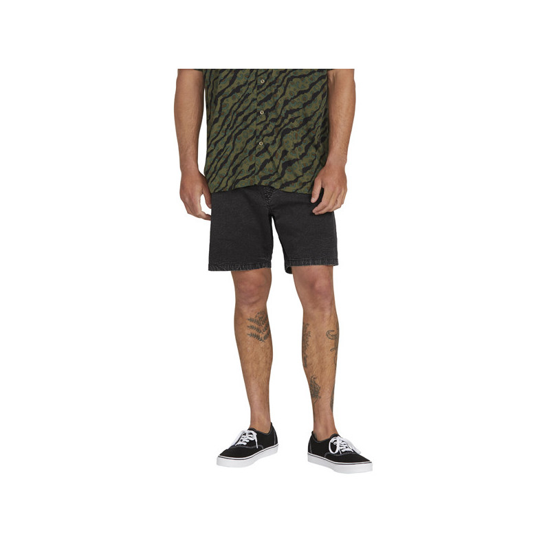 Bermuda Volcom: STEPPEN EW SHORT 17 (BLACK)