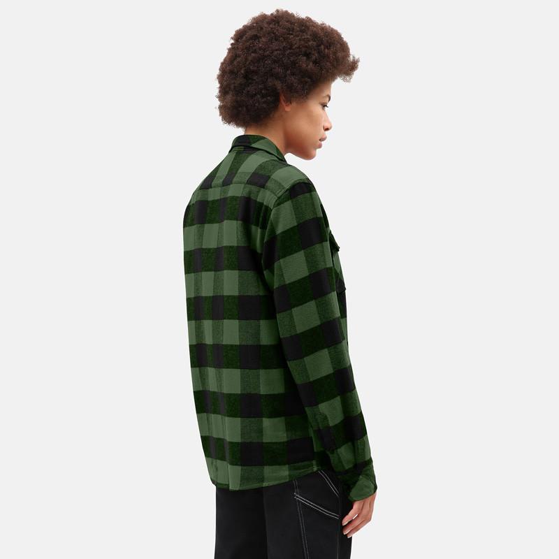 Camisa Dickies: SACRAMENTO RELAXED LS SHIRT (PINE GREEN)