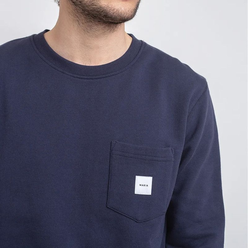 Sudadera Makia: Square Pocket Sweatshirt (Dark Blue)