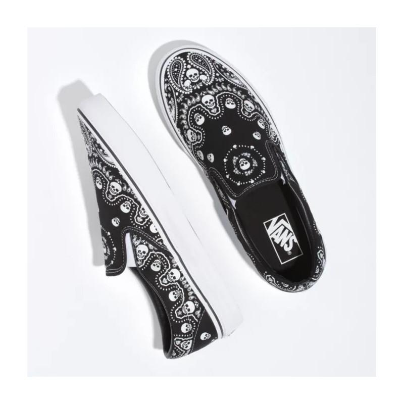 Zapatillas Vans: Ua Classic Slip On (Bandana Blk True Wht)