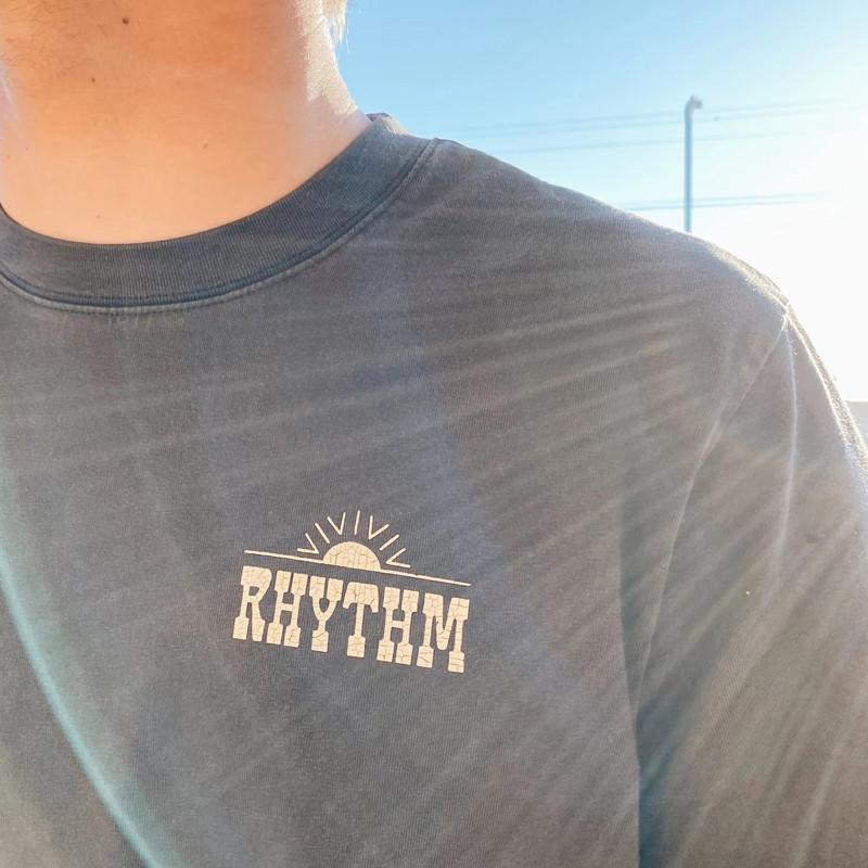 Camiseta Rhythm: Wood Block Tee (Vintage black)