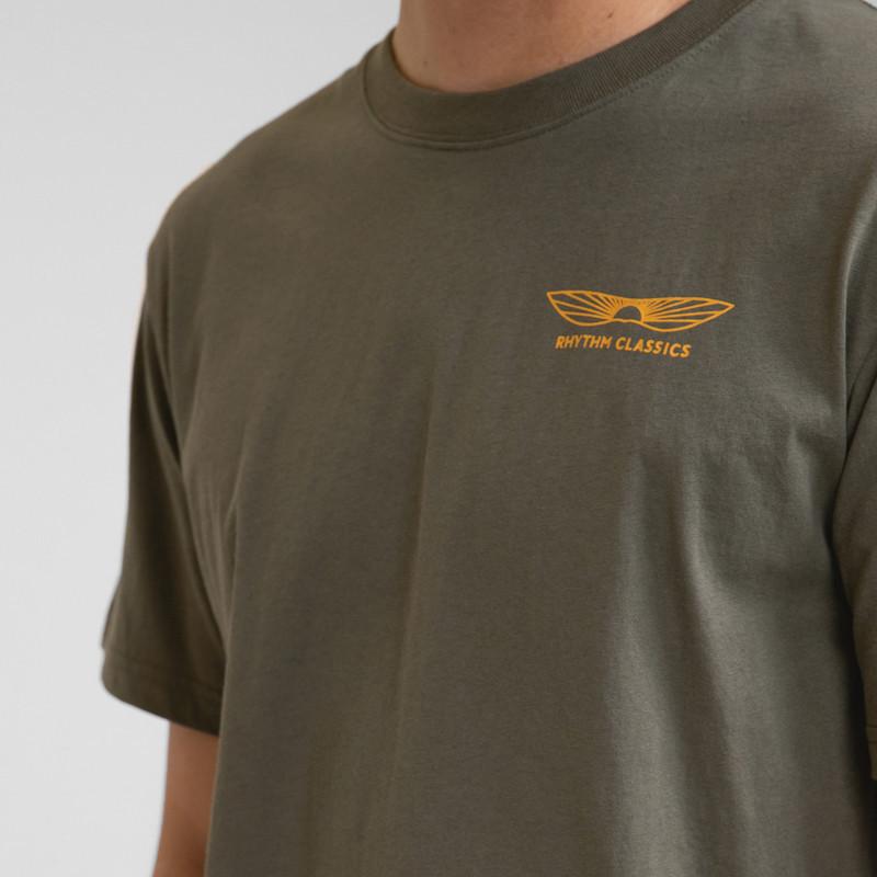 Camiseta Rhythm: Essent Sundown T-Shirt (Olive)
