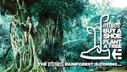 "Cartel de la campaña ""Buy a shoe, plan a tree"" de Etnies."