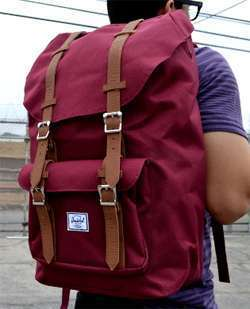 Mochila Herschel Little America Windwor Wine