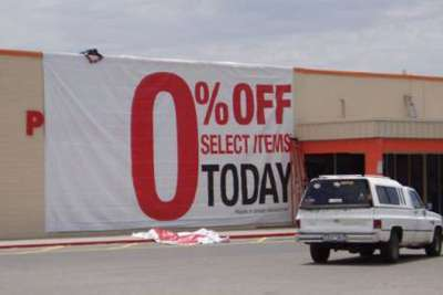 Big Sale Today (Foto: https://www.imthatbored.com/funny-ads/big-sale-today/)